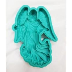 Anioł z rozłożonymi rękoma